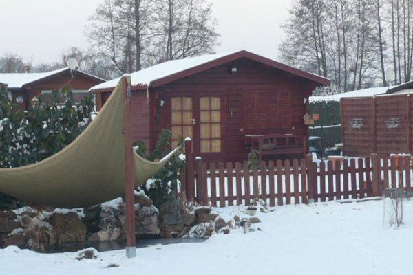 Huette_Schnee